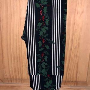 NWT OS LLR Holly & Stripes Christmas Leggings